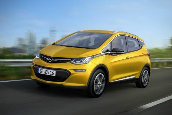 Opel Ampera-e: Neue Elektroautos sollen 300 Kilometer weit kommen. (Bild: GM)