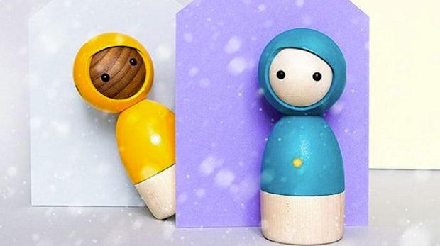 Holz trifft auf Hightech: Diese Spielzeug-Puppen verzichten auf Kunststoff – und sind trotzdem digital!