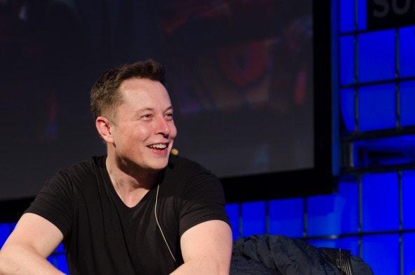 Elon Musk: Der Chef von Tesla und Spacex treibt seine Mitarbeiter zu Höchstleistungen an – mit allen Mitteln. (Foto: Heisenberg Media / flickr.com, Lizenz: CC-BY)