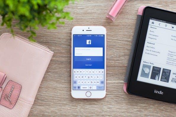 Facebook-Accounts werden häufig per Phishing, Session Hijacking oder Keylogging gehackt. (Foto: Denys Prykhodov / Shutterstock.com)
