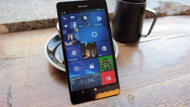 "Neue Smartphone-Pläne: Microsoft-CEO kündigt ""ultimatives Mobilgerät"" an"