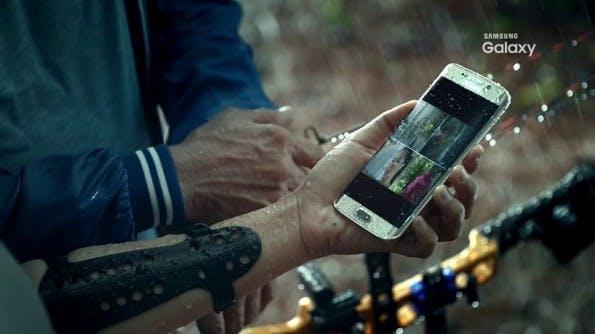 Ein vorab geleakter Samsung-Galaxy-S7-Teaser deutet ein wasserfestes Gehäuse an.