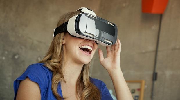 Überteuertes Spielzeug oder Next Big Thing? Welche Virtual-Reality-Brillen wir 2016 kaufen können und was sie kosten