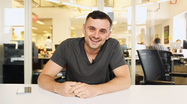 """""""Ich habe Klopapier zerteilt, um Geld zu sparen"""": 10 inspirierende Zitate von Selfmade-Millionär Gary Vaynerchuk"""