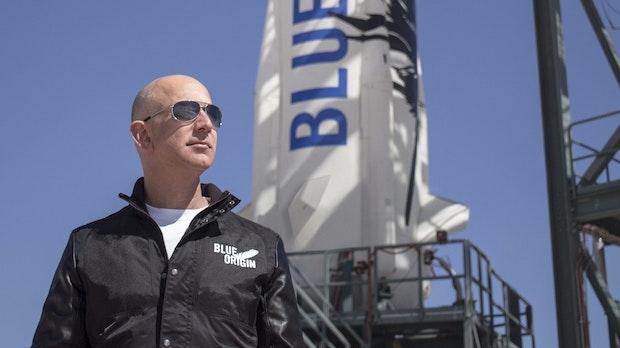 Blue Origin: Jeff Bezos' Raumfahrtfirma versteigert Flüge ins All