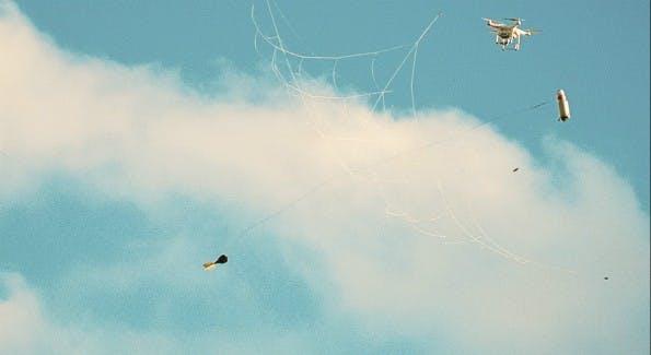 Da zappeln die Drohnen im Netz. (Bild: Openworks)