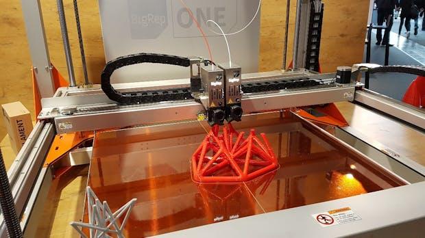 Möbel aus dem 3D-Drucker: Warum der 50.000-Euro-Riese BigRep One v3 sogar die Kanzlerin begeistert