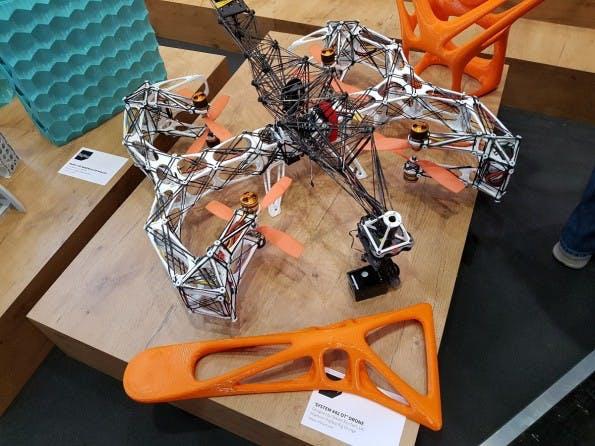 Bauteile einer Drohne, hergestellt mir dem BigRep One v3. (Foto: t3n)