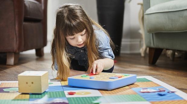 Coden ohne Bildschirm: Dieses Spielzeug vermittelt auch den ganz Kleinen erste Programmierkenntnisse