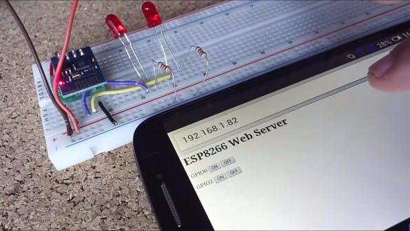 Ein einfacher Webserver ist auf dem ESP8266 in wenigen Zeilen Code zu realisieren (Screenshot: youtube.com)