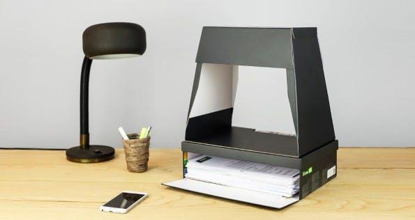 Die Fileeebox auf dem Schreibtisch. (Quelle: Fileee)