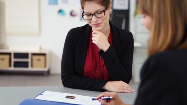 Nach dem Smalltalk ist im Vorstellungsgespräch meist schon alles entschieden. (Foto: Shutterstock)