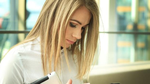 Top-Smartphone, flexible Arbeitszeiten: Wie Unternehmen um junge Mitarbeiter buhlen