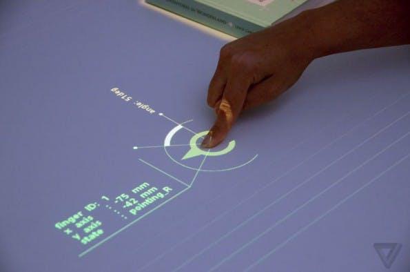 Sonys Future Lab zeigte einen spanenden Beamer-Prototyp auf der SXSW. (Foto: the Verge)