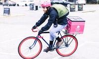 Gelungenes Guerilla-Marketing: Warum Foodora und Deliveroo mit Fahrradsattelschützern werben