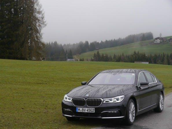 BMW 740 auf der Alm