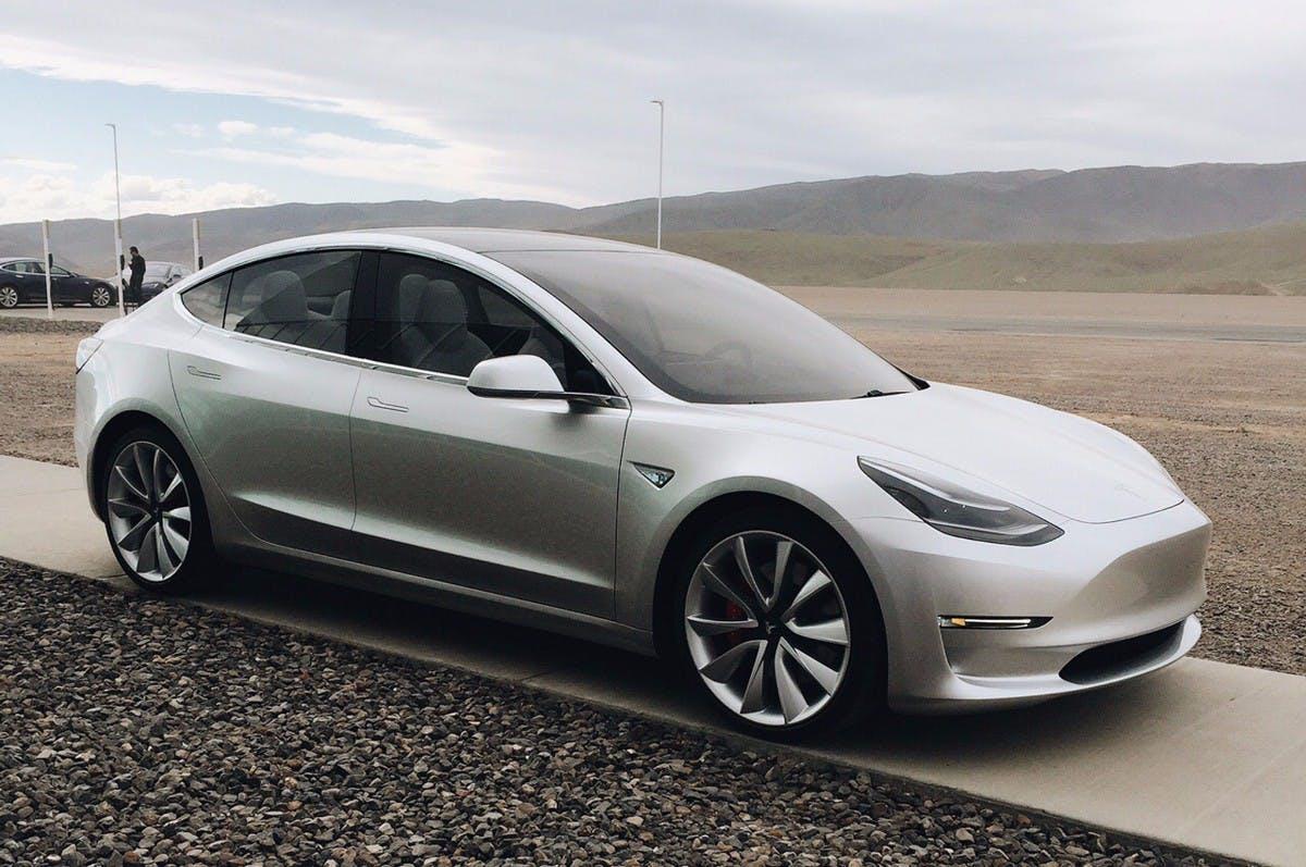 Tesla Model 3. (Foto: Motortrend)