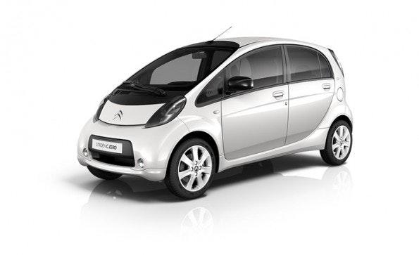 Der Kleinstwagen Citroën C-Zero ist baugleich mit dem Mitsubishi i-MiEV und dem Peugeot iOn. Mit seinen 67 PS beschleunigt das Auto von Null auf 100 Kilometer pro Stunde in 15,9 Sekunden. (Foto: Citroen)