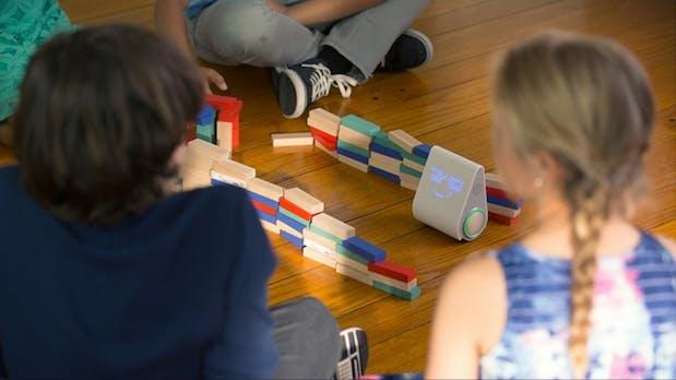 Dieser süße Kampfroboter soll eure Kids zu Nachwuchs-Codern machen