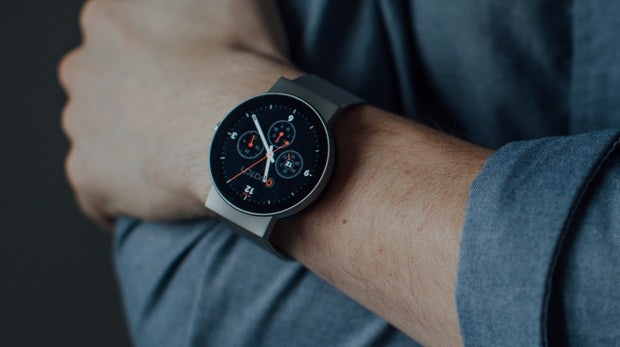 Android Wear lebt! Google kauft Smartwatch-Spezialisten Cronologics