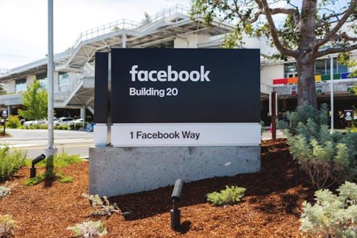 t3n-Daily-Kickoff: Facebook-Bug führt dazu, dass Seiten automatisch die eigenen Posts liken