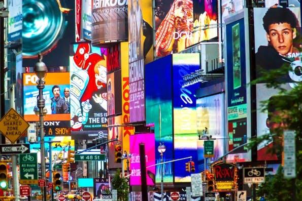 Auch im Netz gilt: Potenzielle Kunden sollten nicht überfordert und genervt werden. Dazu dient das Frequency-Cap. (Foto: Allen.G / Shutterstock.com)