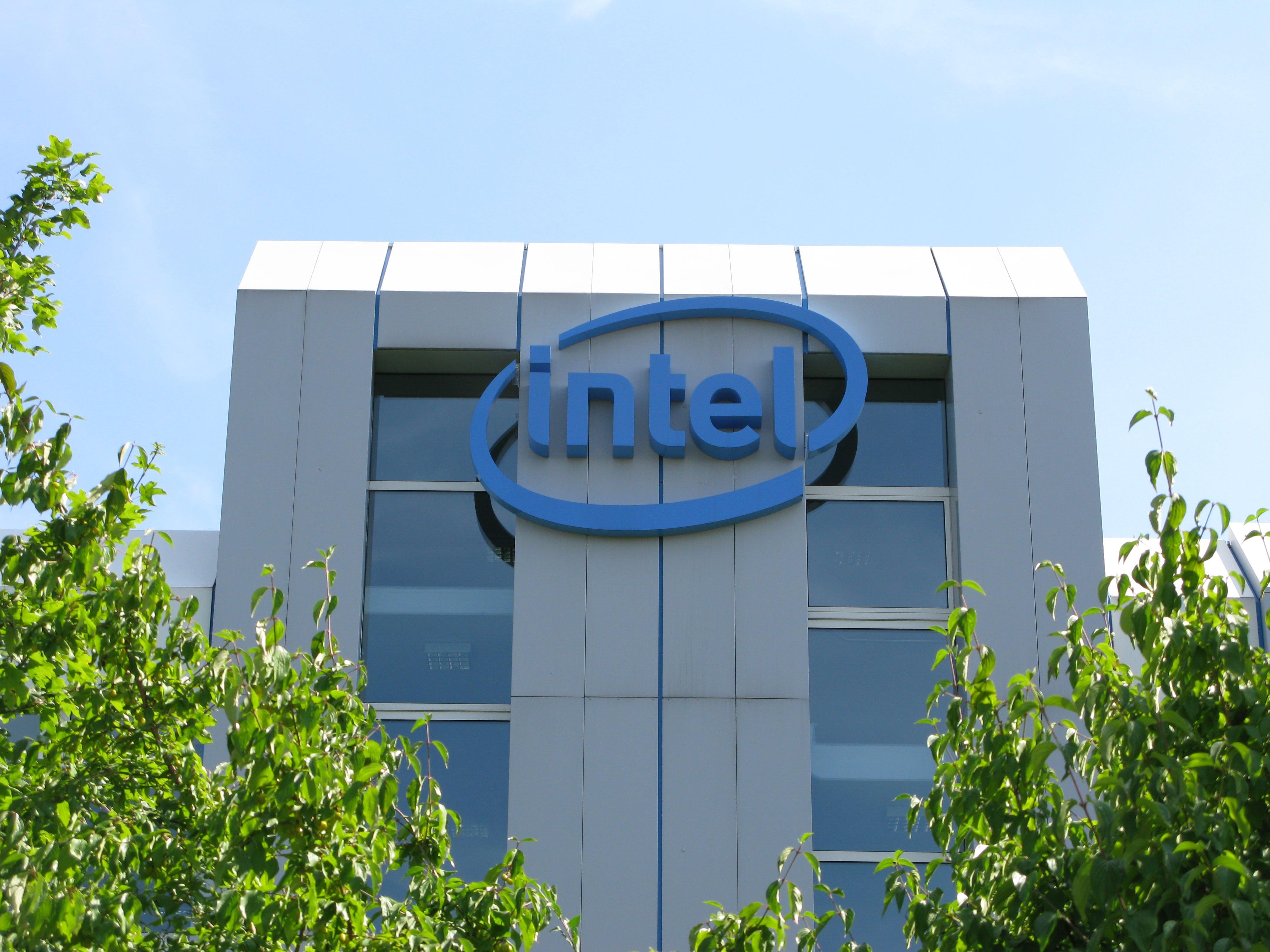 t3n-Daily-Kickoff: Intel entlässt 12.000 Mitarbeiter weltweit
