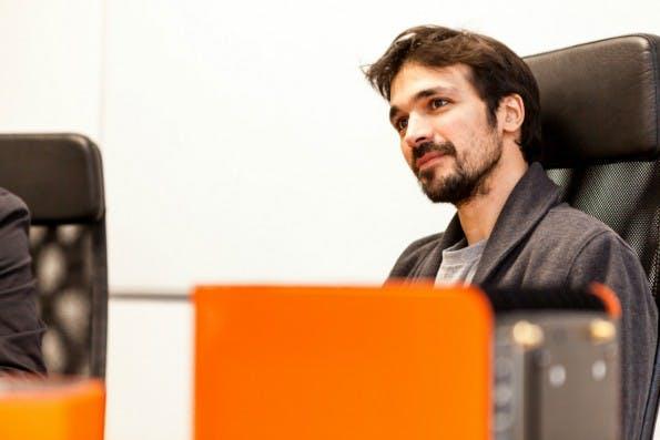 Protonet-Mitgründer und CEO Ali Jelveh muss die besorgten Crowdinvestoren besänftigen. (Foto: © Leonard Koerner)