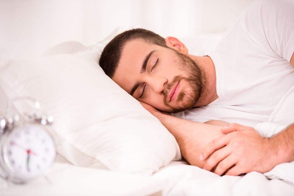 Fit mit nur 2 bis 4 Stunden Schlaf? Das taugen polyphasische Schlafmuster