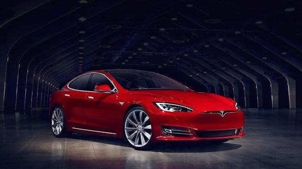 Model S gehackt: Entwicklerin installiert Linux auf ihrem Tesla