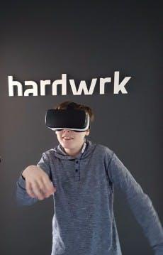 Leon testet die Samsung Gear VR. (Foto: t3n.de)