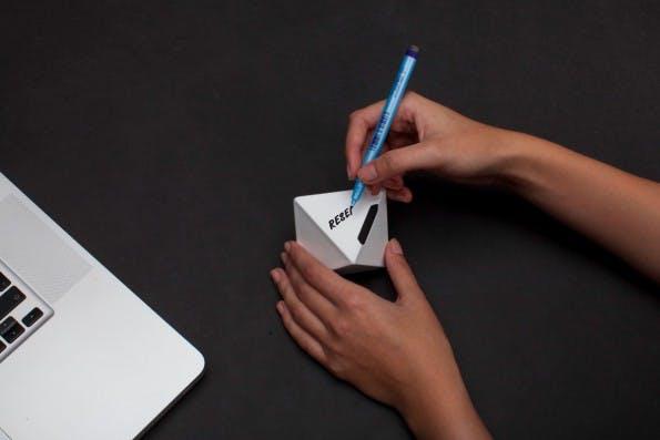 cooles zeiterfassungs gadget so funktioniert zei t3n. Black Bedroom Furniture Sets. Home Design Ideas