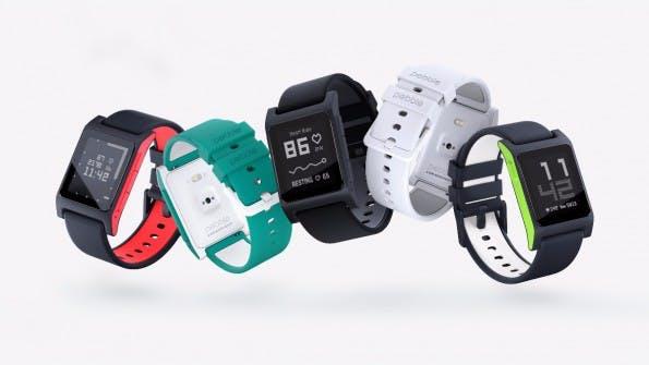 Die neue Pebble 2 ist der direkte Nachfolger der Ur-Pebble und in fünf Farben erhältlich. (Quelle: pebble.com)