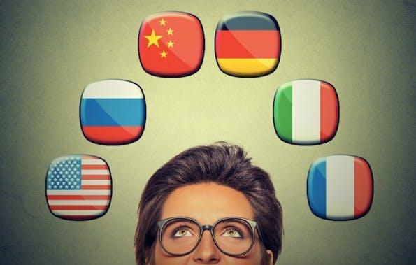 Arbeiten im Ausland ist für viele Menschen ein Traum. Einige erfüllen ihn sich. (Grafik: Shutterstock-pathdoc)