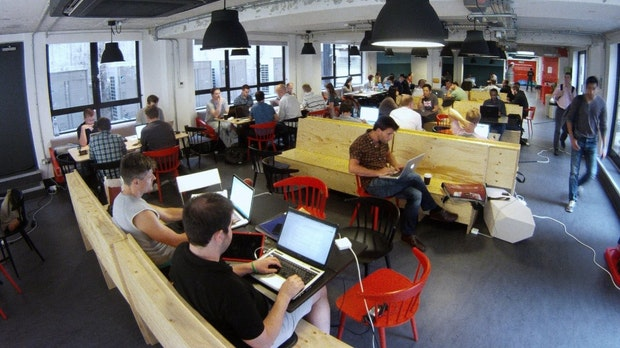 Gemeinsam ist besser als einsam: Warum Coworking mehr ist als eine Marketing-Floskel