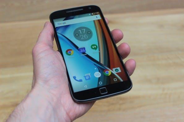 """Das """"große"""" Moto G Plus besitzt einen Fingerabdrucksensor. (Foto: t3n)"""