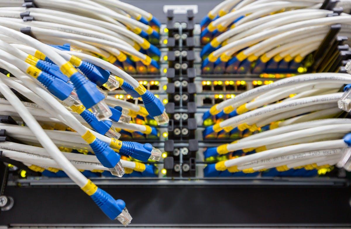 Trotz Cloud Computing: Unternehmen müssen Dienste anbieten, die hohe Upload-Bandbreiten erfordern.