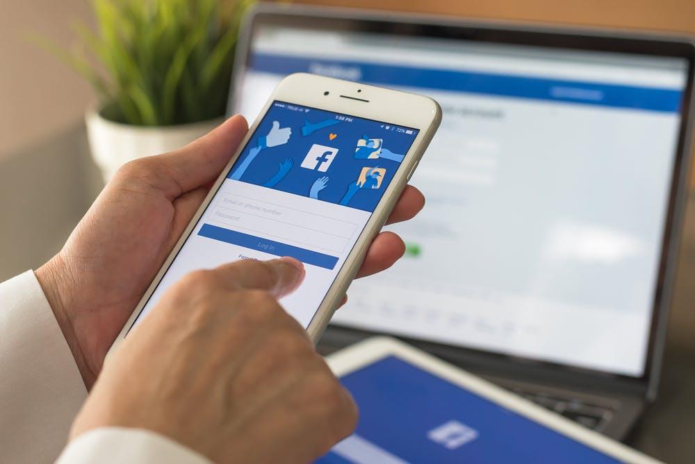 Facebook: Seiten dürfen jetzt auch in Gruppen mitreden