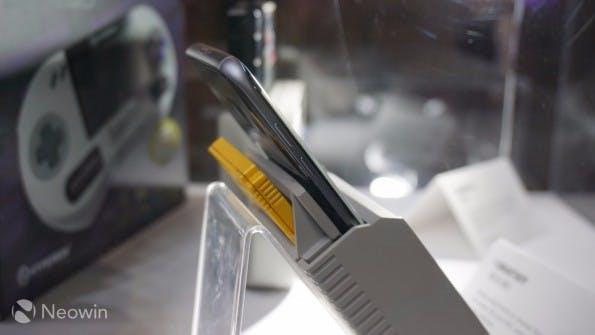 Der Smartboy erlaubt es, originale Game-Boy-Spiele mit dem Smartphone zu verbinden. (Foto: neowin)