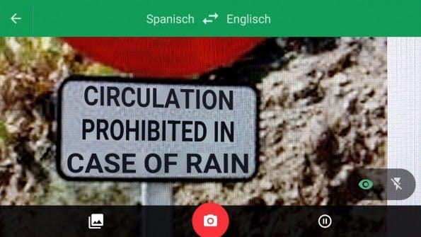 Mit dem Google-Übersetzer könnt ihr Schilder übersetzen, aber auch einfach helfenden Vokabeln suchen. (Bild: t3n)