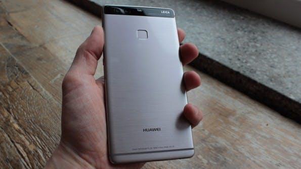 Die Rückseite des Huawei P9 Plus besitzt ein weicheres Finish als das P9. (Foto: t3n)