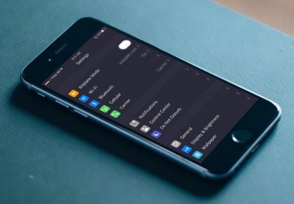 Einstellungen: Konzept zum Dark Theme in iOS 10. (Bild: ihelpbr)
