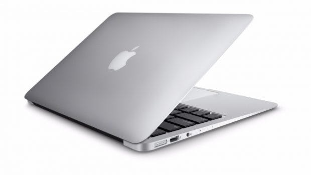 Macbook oder Thinkpad –bei IBM können die Mitarbeiter sich entscheiden. (Bild: Apple)