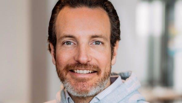 Number26-Mitgründer und COO Maximilian Tayenthal will die Online-Bank mit Veranlagungs- und Sparprodukten zum Mainstream machen. (Bild: Number26)