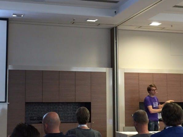 In seinem Vortrag auf der DevOpsCon hat Sebastian Cohnen über Performance-Tests gesprochen. (Foto: t3n)