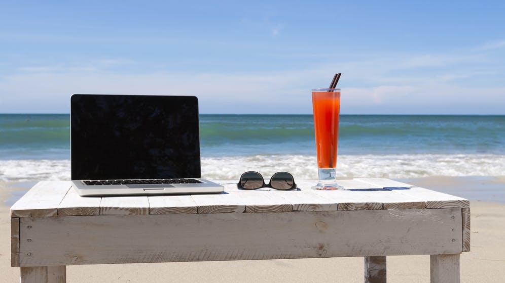 Arbeiten, wo ihr wollt: Diese Plattformen vermitteln ortsunabhängige Jobs