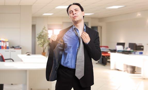 Hitze im Büro: Der perfekte Dresscode für echte Sommertage
