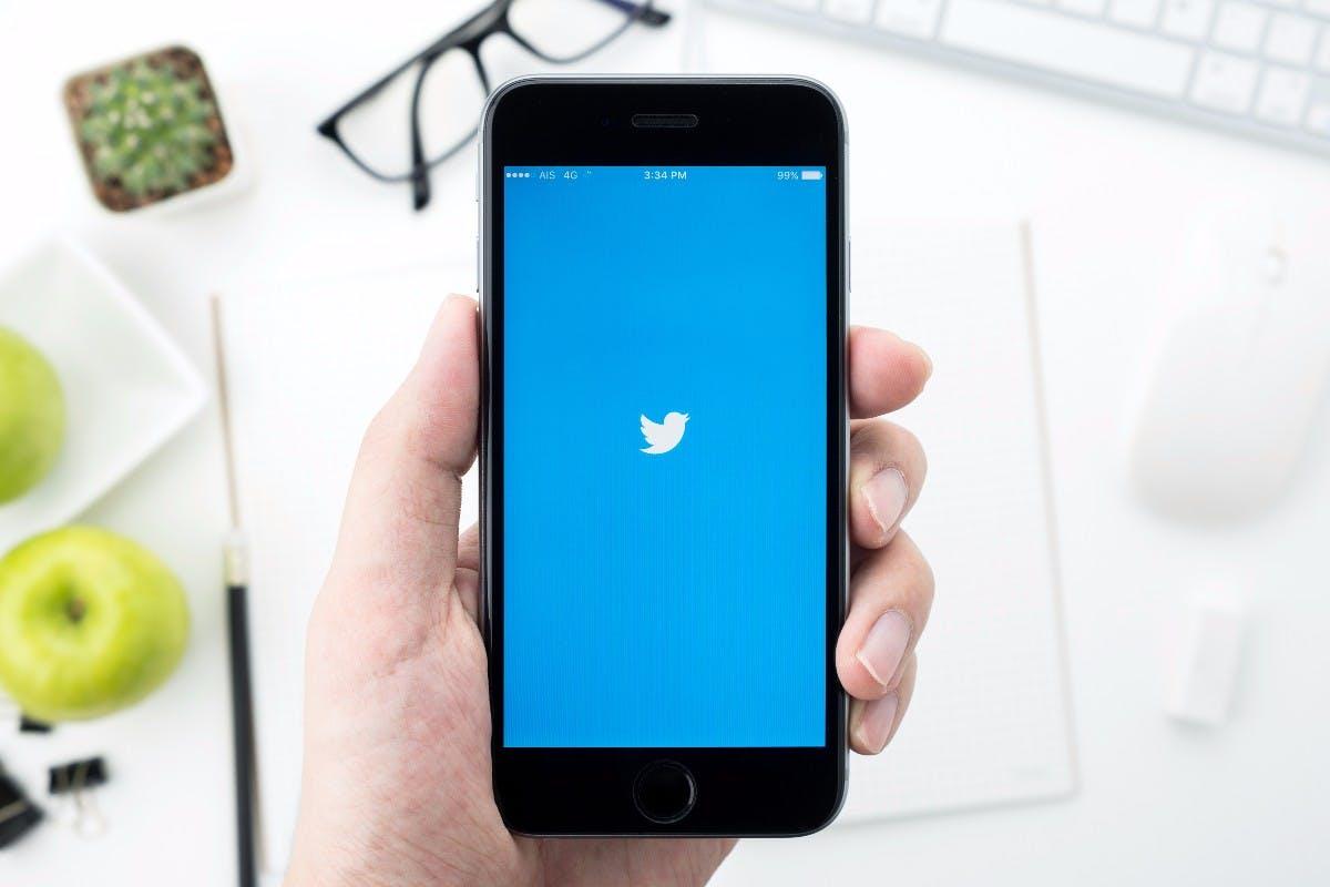 t3n-Daily-Kickoff: Twitter führt jetzt Snapchat ähnliche Sticker ein