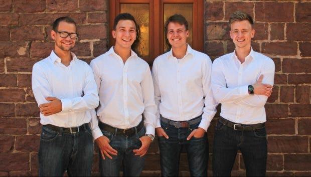 Die Gründer hinter dem Startup Store2be (von links nach rechts): Peter Gundel, Marlon Braumann, Emil Kabisch und Sven Wissebach. (Foto: Store2be)