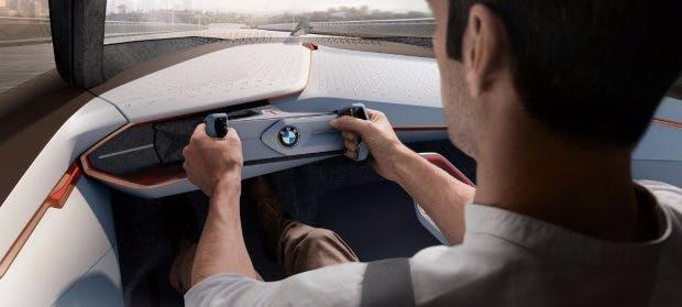 Autonomes Fahren optional: BMW-Vision Next 100im aktiven Boost-Mode. (Bild: BMW)